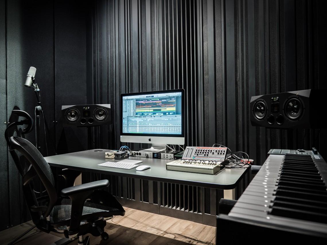 Studio EXE 2
